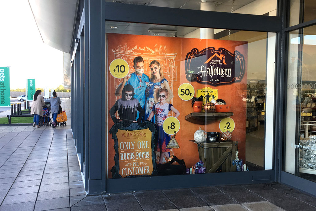 WILKO-HALLOWEEN-outside-store